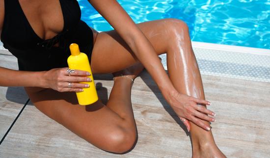 Солнцезащитный крем нельзя втирать