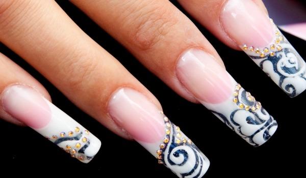 Нарощенные ногти с уникальным дизайном