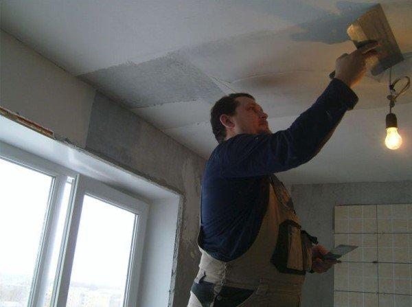 Выравнивание бетонного потолка