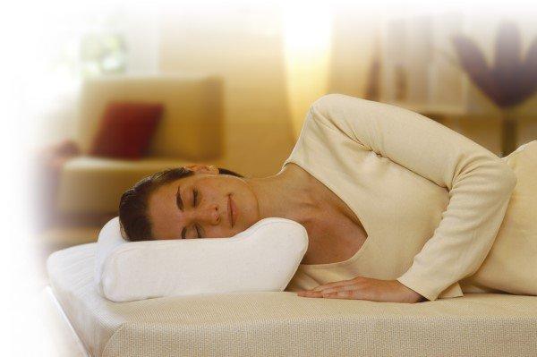 Треться об подушку