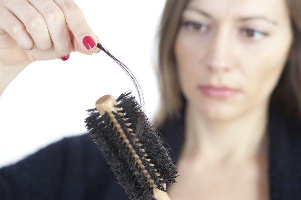 Причины выпадения волос. Почему начали выпадать волосы?