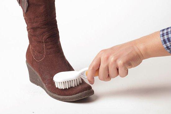 Щетка для чистки замшевой обуви
