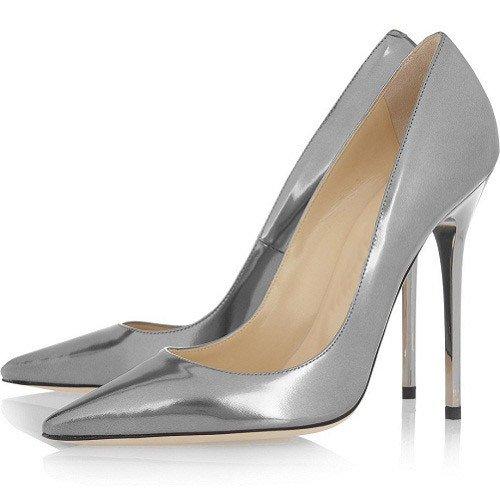 Серебряные лакированные туфли