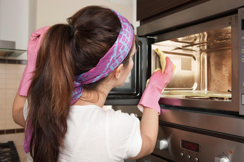 Очистить микроволновку уксусом в домашних условиях