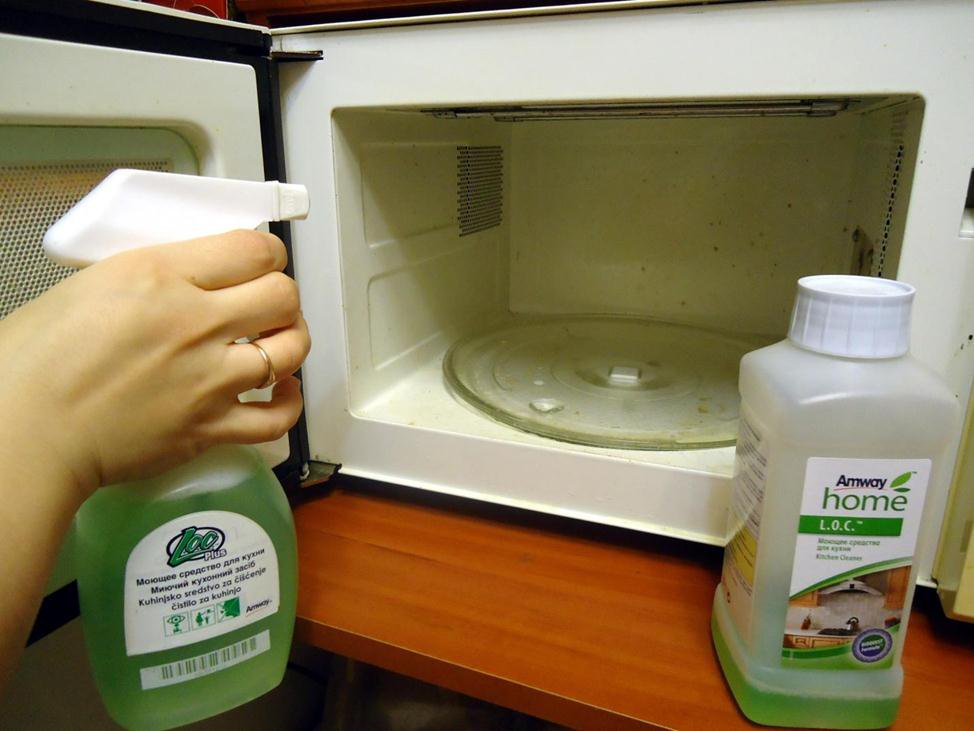 Как почистить микроволновку быстро в домашних условиях