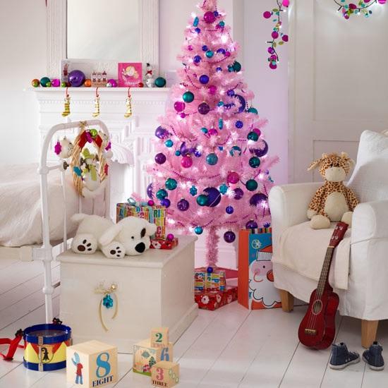 Новогодняя ёлка в детской комнате