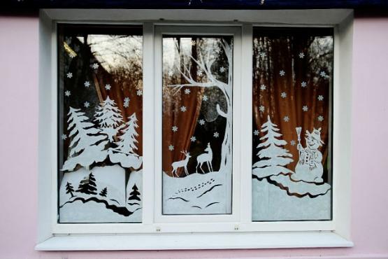 Наклейки на окна на Новый год