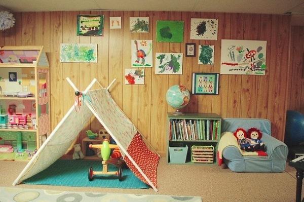 Рисунки ребенка в качестве декора