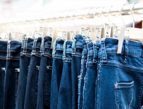 Что делать, если джинсы красятся? Как решить проблему?