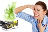 Как избавиться от запаха в кроссовках?